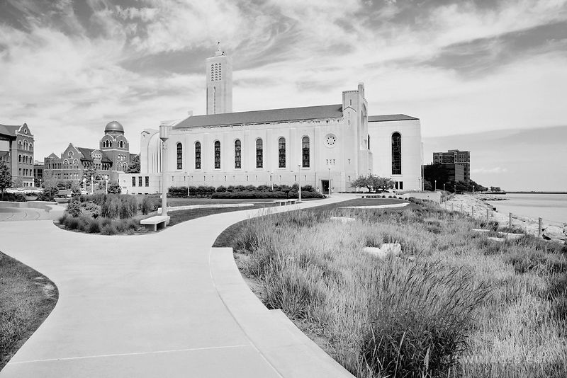 MADONNA DELLA STRADA CHAPEL LOYOLA UNIVERSITY CAMPUS CHICAGO ILLINOIS BLACK AND WHITE