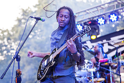 Stephen, guitar, New Kingston
