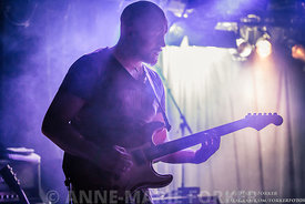 Close_to_the_Rain_OAK_Guitar-3893