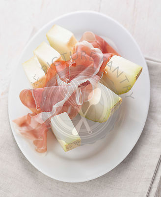 Sweet melon with parma ham