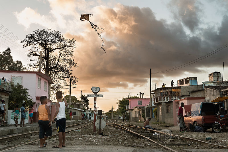Cuba - Camagüey (Friends with Kite II)