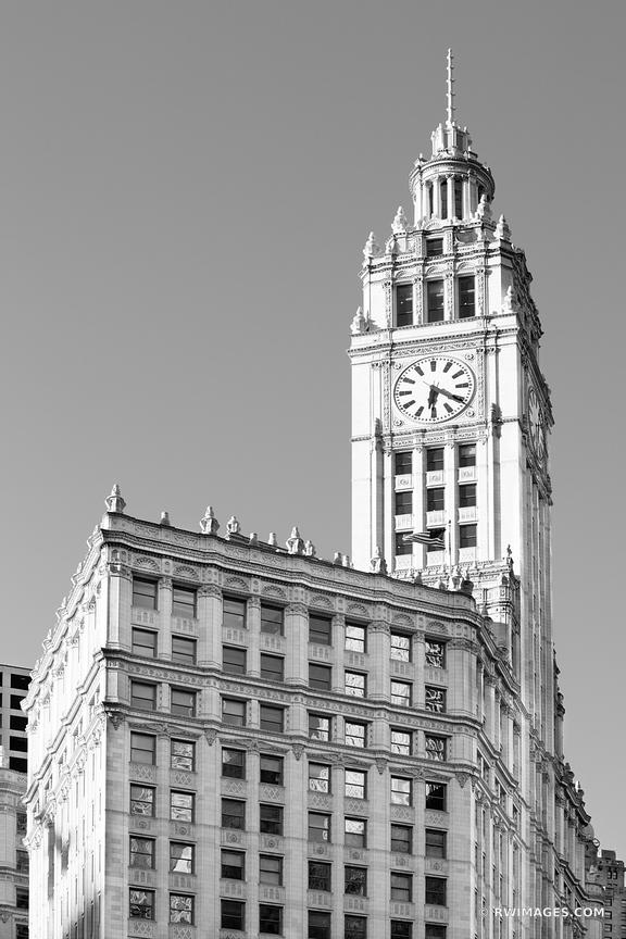 WRIGLEY BUILDING CHICAGO DOWNTOWN ARCHITECTURE CLOCK CHICAGO ILLINOIS BLACK AND WHITE VERTICAL