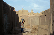 Djenné town is entirely built up by mud houses, Mali