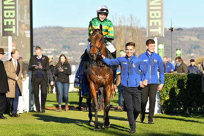 Palmers_Hill_winners_enclosure_18112018_(5)