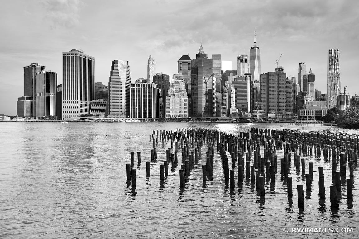 MANHATTAN SKYLINE NEW YORK CITY NEW YORK BLACK AND WHITE