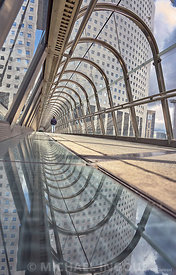 la_defense_tunel_japon_etienne_puddle_miroir