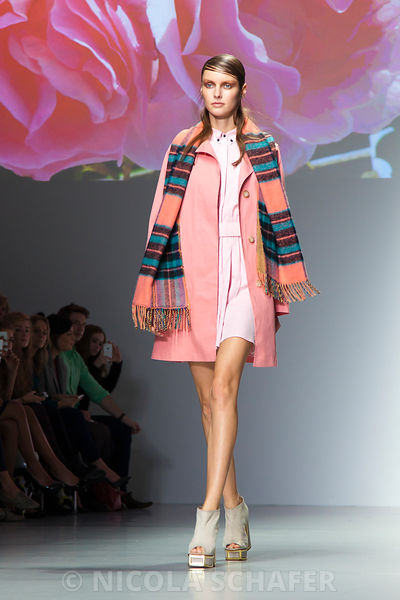 LFW_pretty_in_pink_5