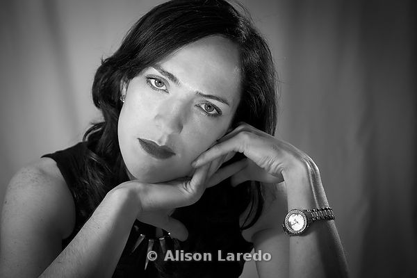 Hollywood glamour woman portrait photography. Photo Alison Laredo