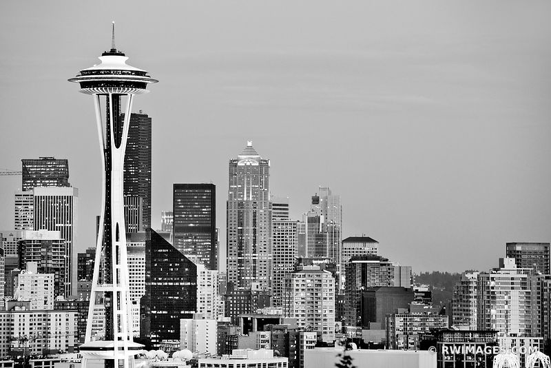SEATTLE SKYLINE SPACE NEEDLE EVENING BLACK AND WHITE