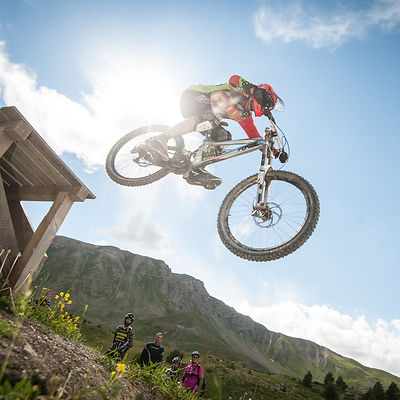 MTB Team Up Vars