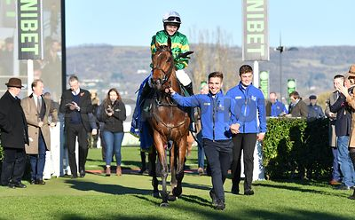 Palmers_Hill_winners_enclosure_18112018_(4)