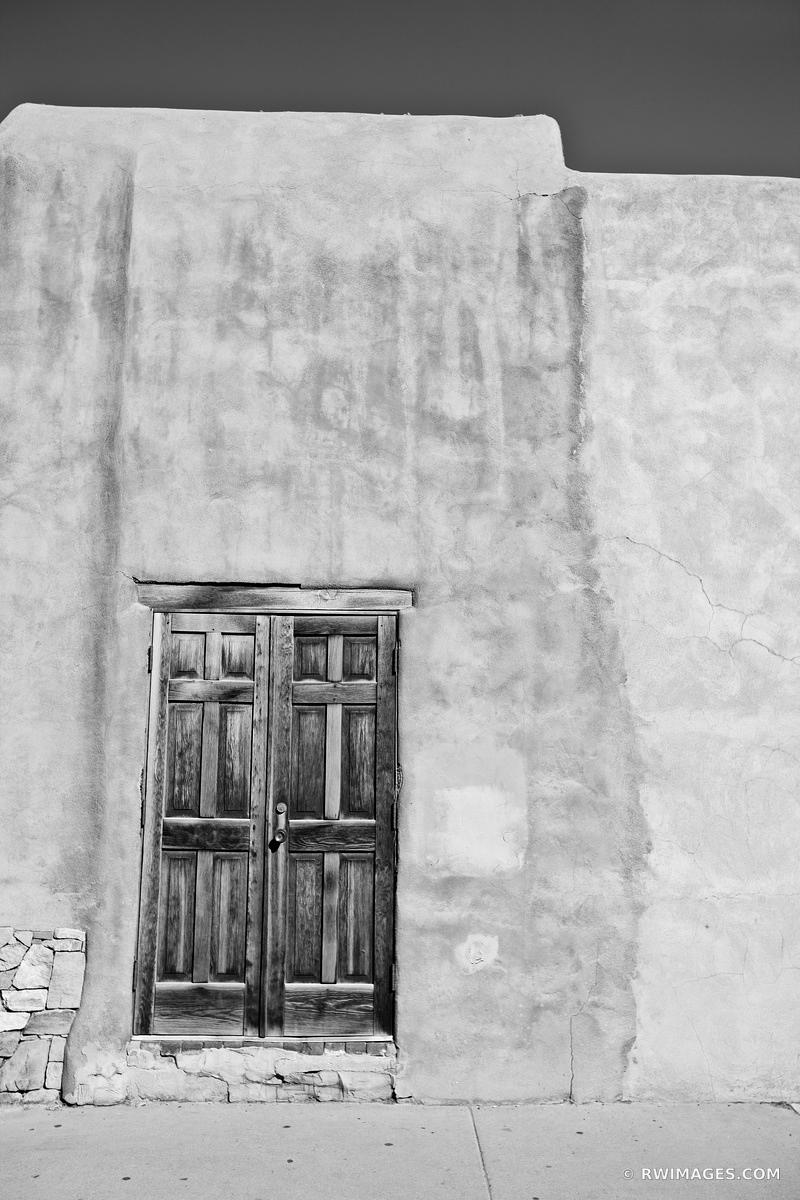 OLD DOOR SANTA FE NEW MEXICO BLACK AND WHITE