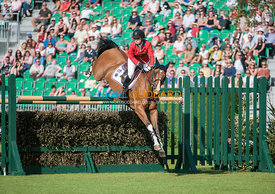 Lillie Keenan (USA) & Super Sox