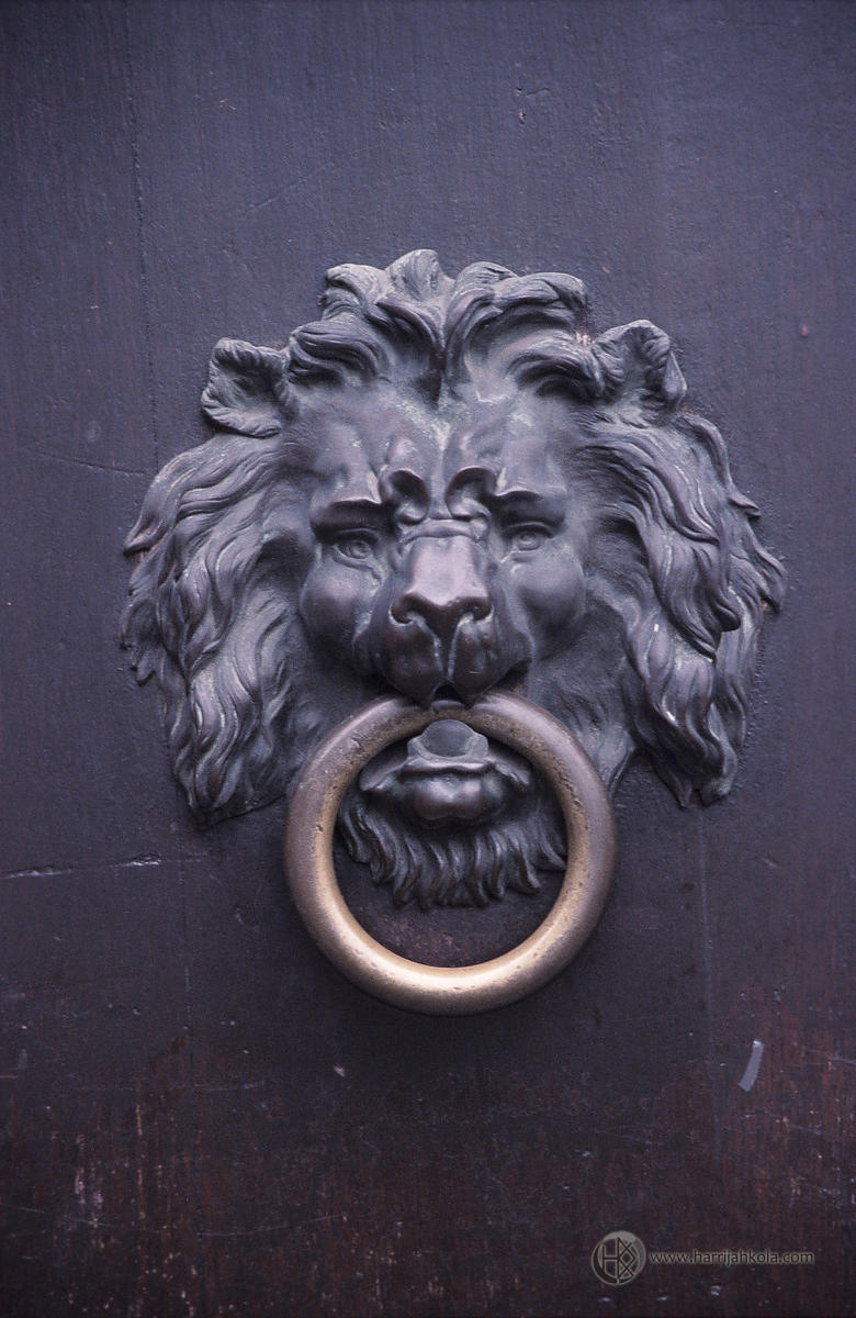 Belgium - Brussels (Knocker)