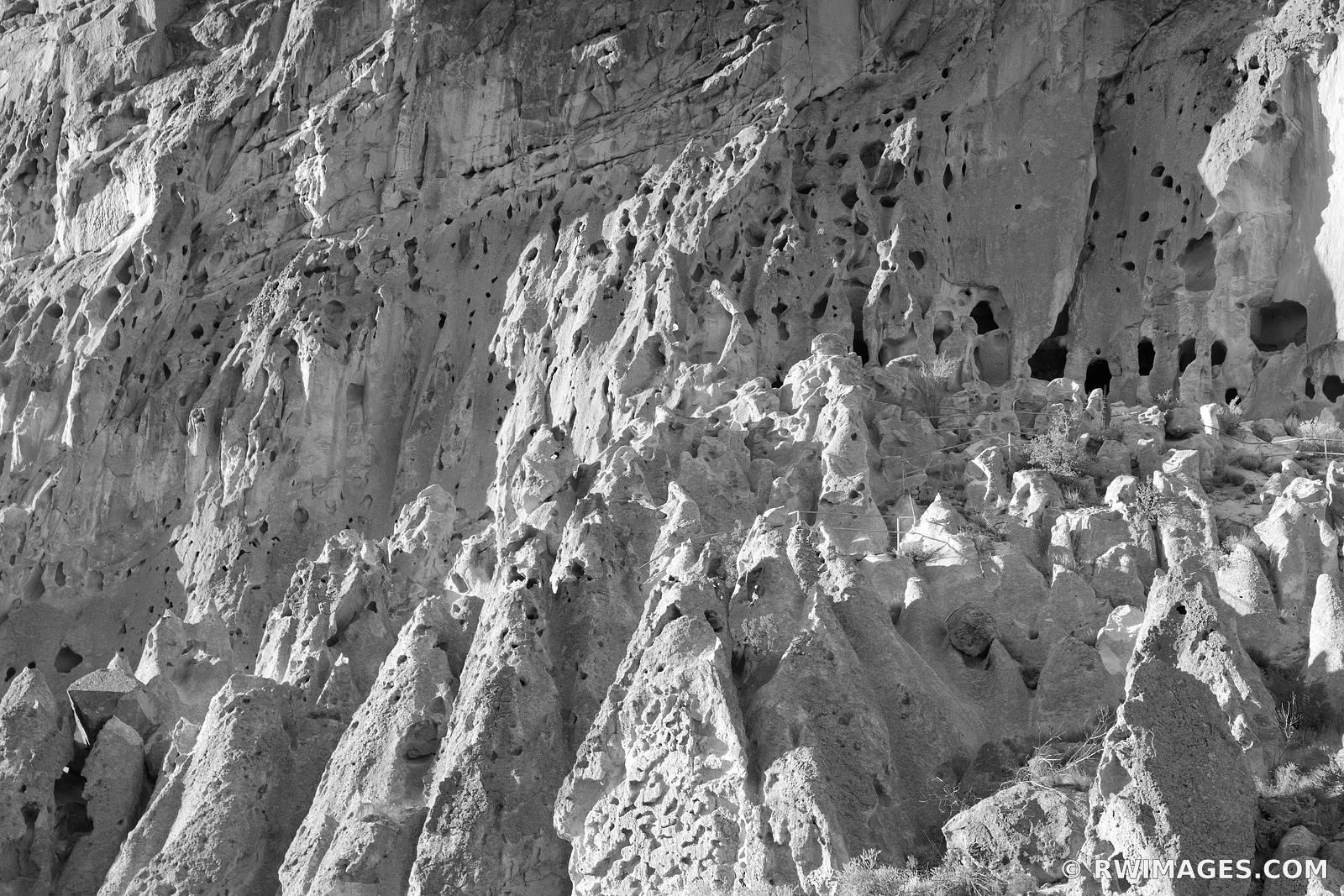 NATIVE AMERICAN CLIFF DWELLINGS BANDELIER NATIONAL MONUMENT NEW MEXICO BLACK AND WHITE