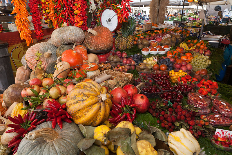 Colorful display of squash in Campo de Fiori