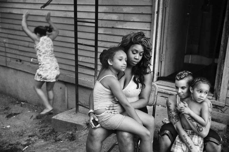 Family in  Northeast Rochester NY. U.S.A. 2013 - © Paolo Pellegrin