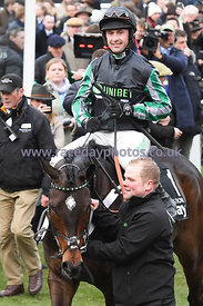 Altior_winners_enclosure_13032019-1