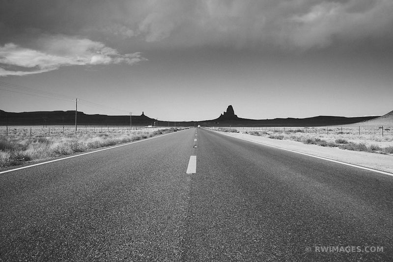 ROAD TO MONUMENT VALLEY NORTHERN ARIZONA BLACK AND WHITE