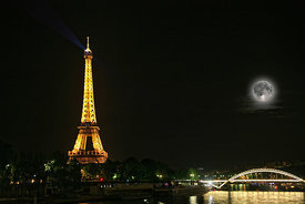 Paris eifel tower at night