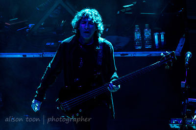 Pete Trewavas, bass, Marillion
