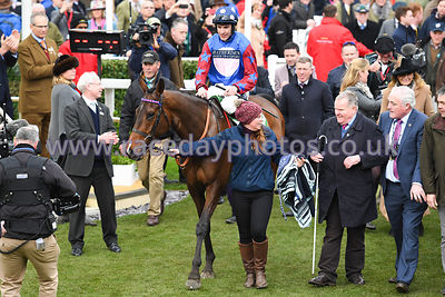 Paisley_Park_winners_enclosure_14032019-1