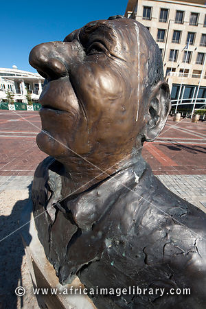 Statue of Stanley John Reed, 19-43-2006, who completed 3 solo circumnavigations, Victoria & Alfred Waterfront, Cape Town, Sou...