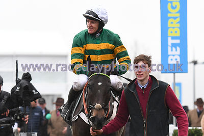 Birchdale_winners_enclosure_260119-4