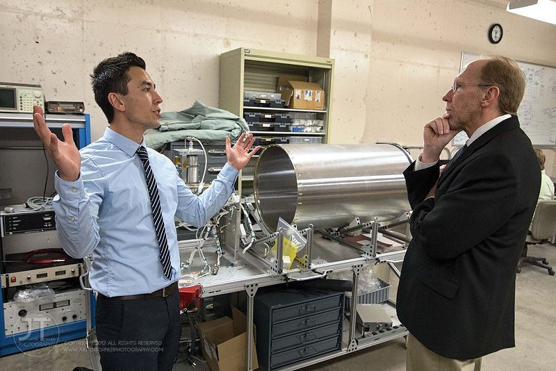 Gazette - Congressman Loebsack at U of Iowa Physics and Astronomy Labs, March 18, 2014