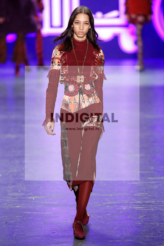 Anna Sui AW16 Collection