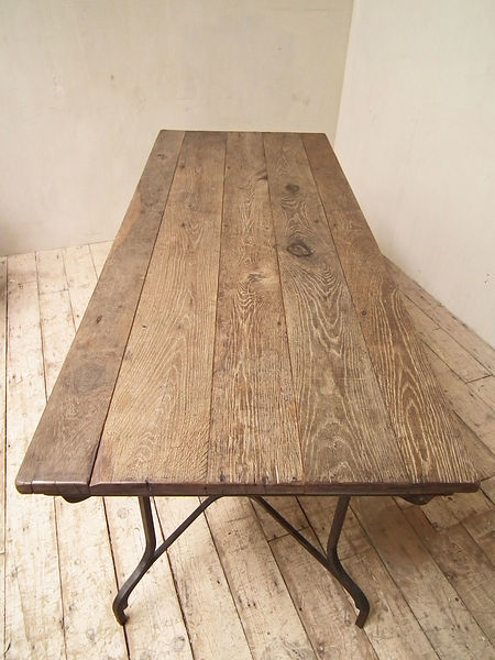forged_base_oak_table_detail