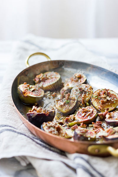 Za'atar, honey with figs