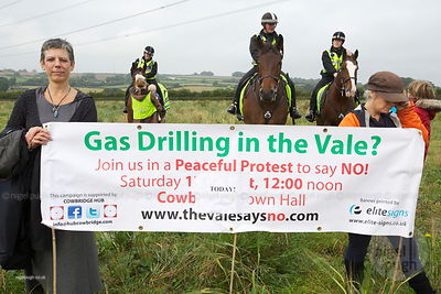 LLANCARFAN SITE VIST - FRACKING DEMO