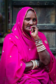 Striking woman in a pink sari, Pushkar, Rajasthan, India