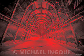 oct._19_2017_la_defense_tunnel_passerelle_porte_enfer_red_artcollection_V2_JPEG_Qualité_maximum