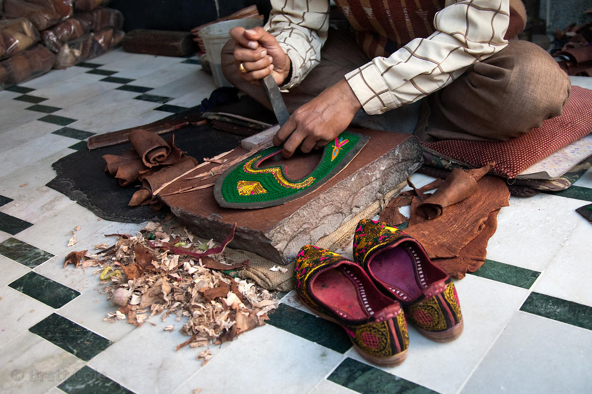 Shoe maker, Jodhpur, Rajasthan, India