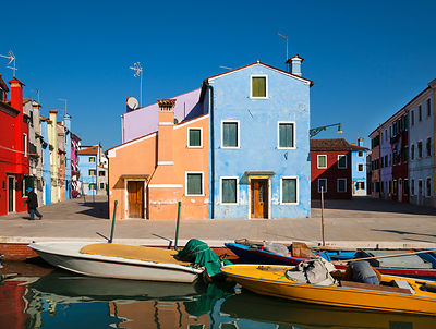 Italy, Venice, Colourful houses and sleepy canal on Burano island