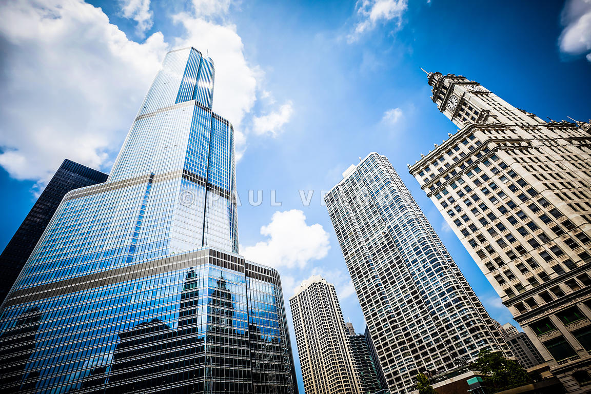 Picrture of Chicago New and Old Buildings