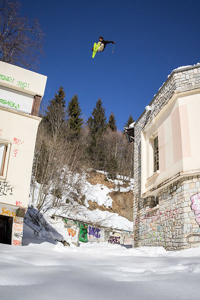 _U2A0729-etienne_merel_faction_faction_skis_freeski_freestyle_grenoble_st_hilaire_du_touvet_street_street_skiing_urbain_urban...