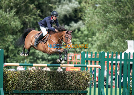 Joe Whitaker (GBR) & Virginia