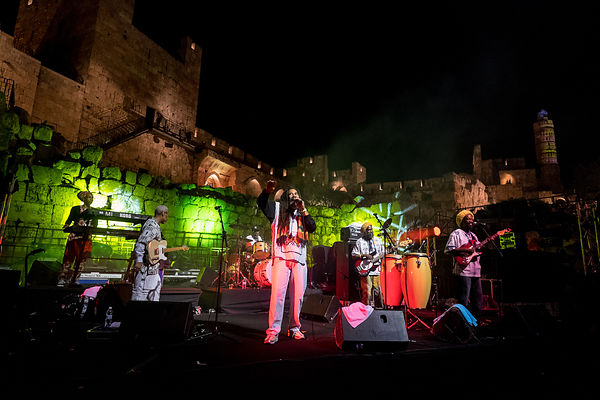 teinkle brothers at the tower of david- jerusalen
