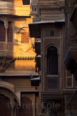 Morning sun on a haveli in Jaisalmer, Rajasthan, India
