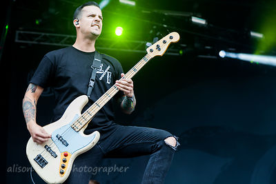 Oshie Bichar, bass, Beartooth