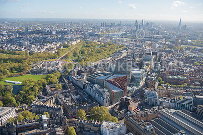 Aerial view of Victoria and Buckingham Palace, London. A302, Buckingham Palace, Cardinal Place, Grosvenor Gardens, Nova (Lond...