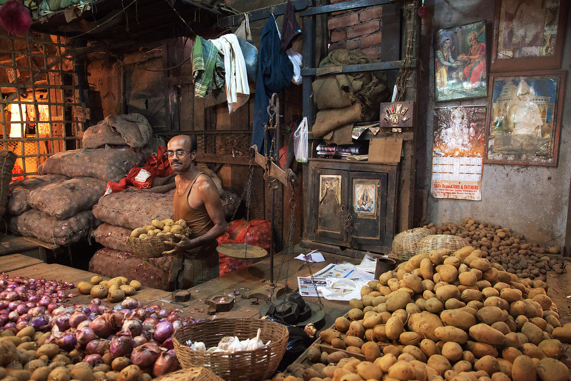 Incredible rustic potato stall at Newmarket, Kolkata, India.