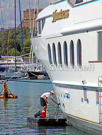 Repair work on Motor Yacht Huntress