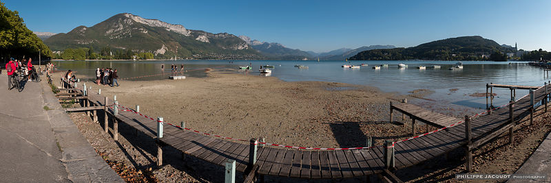 The low water level of the lake on September 25, 2018 (1) - Annecy