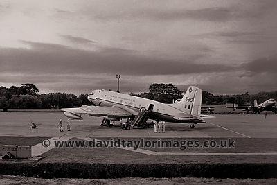 48 Sqdn Hastings TG536 awaits a VIP | RAF Changi | September 1962