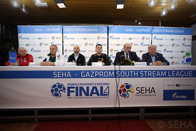 press_conf-09-photo-uros_hocevar