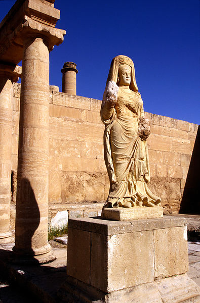 Iraq - Hatra - A statue of the Goddess Shahiro outseide her shrine
